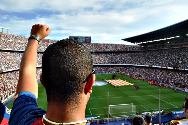 cesta na fotbal